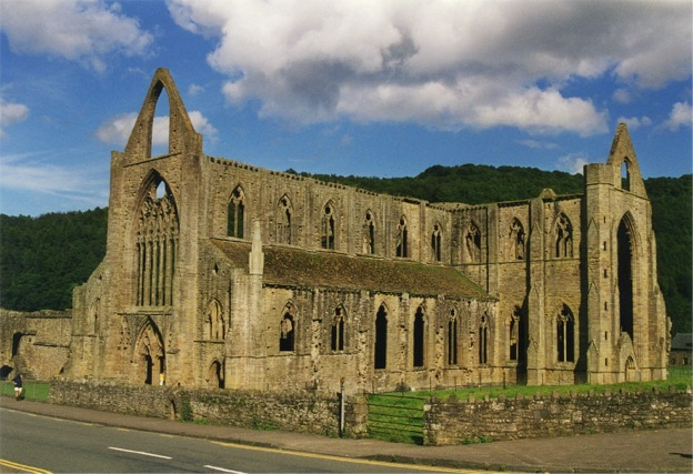 romantic characteristics in tintern abbey Romantic writers are often portrayed as isolated, introspective individuals  the  individual in william wordsworth's poems tintern abbey and prelude, as the.